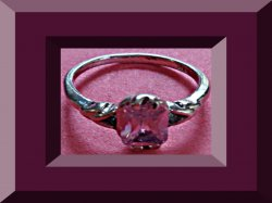 18KRP Size 7.25 Ring With Pink Crystal