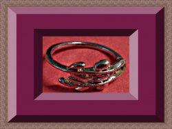 Silver Tone Vine Design Ring Size 6