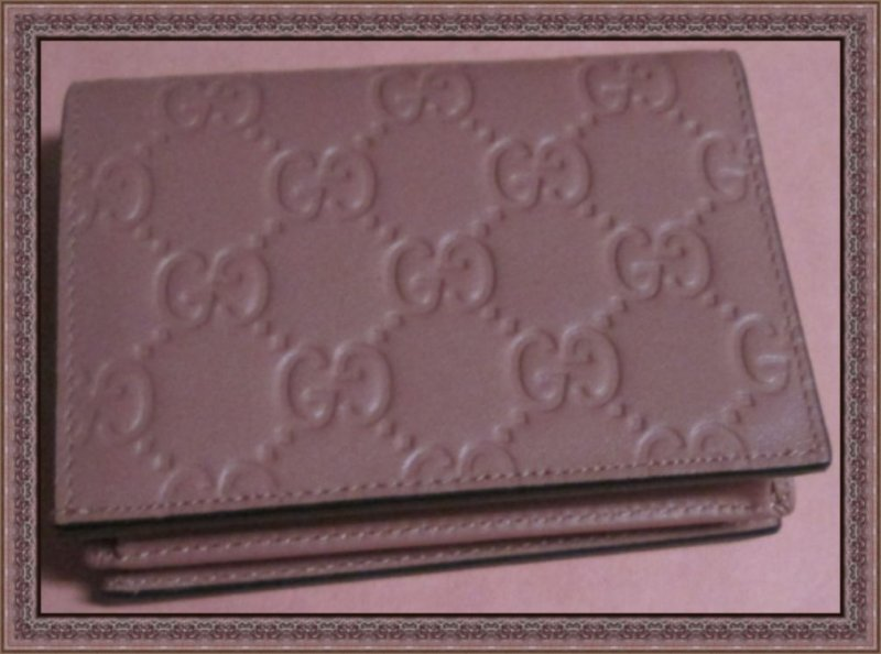 Image 1 of GUCCI 410120 Signature Leather Card Case