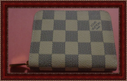 Checkered Grey & Cream White Zippy Coin Purse Leather Pink On The Inside