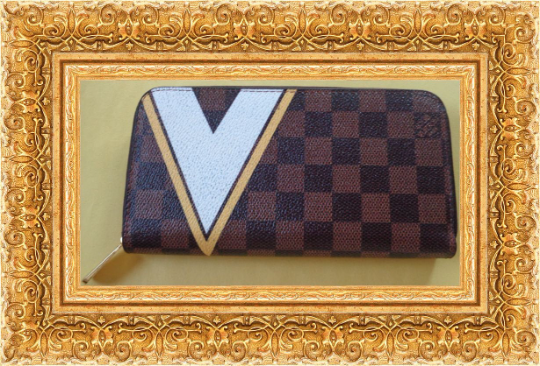 Image 0 of Long Zippy Wallet Brown Yellow & White Checkered Leather Classy Luxury