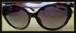 Black & Gold Tone Luxury Style Sunglasses For Women Classy / Elegant