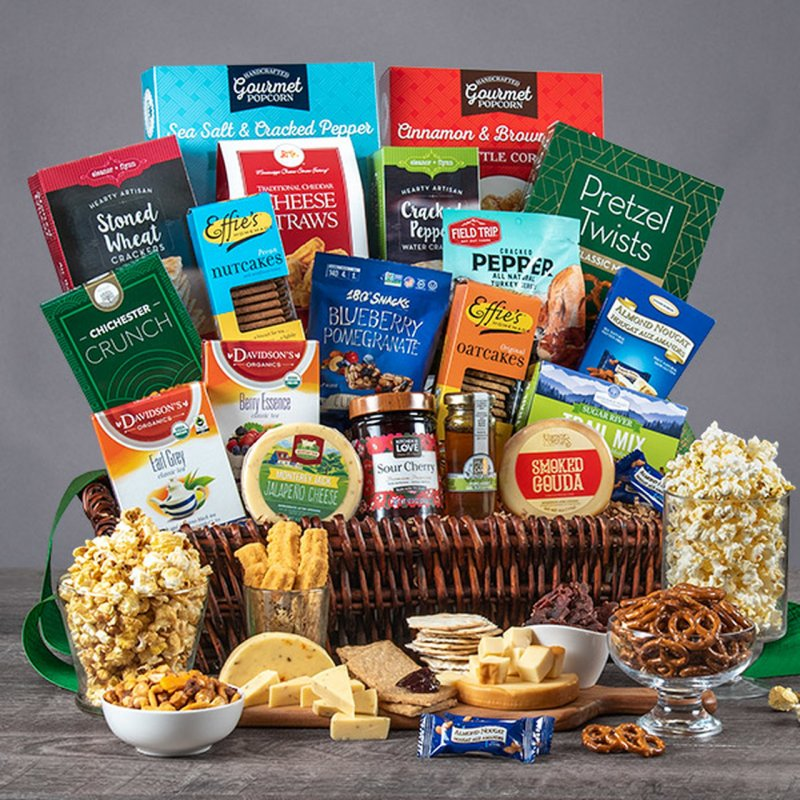 Image 0 of Healthy Deluxe: Gourmet Gift Basket