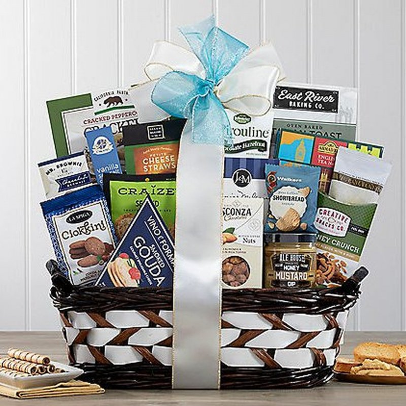 Image 0 of The Connoisseur: Gourmet Gift Basket