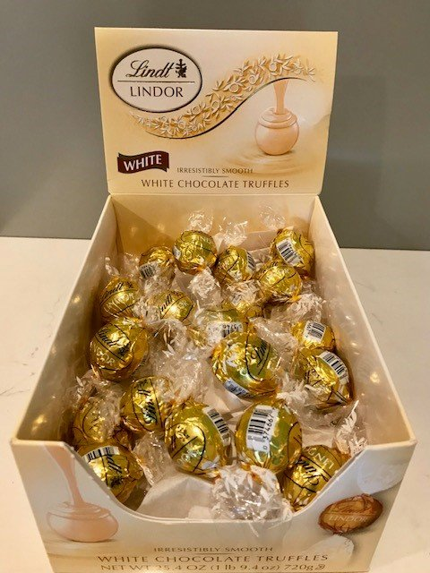 Image 0 of Lindor White Chocolate