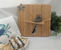 Bamboo Cutting Board with Spreader