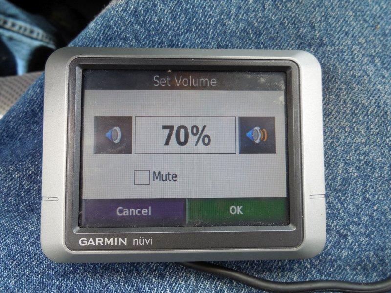 Image 2 of Garmin Nuvi 200 GPS Navigation System (no Charger)