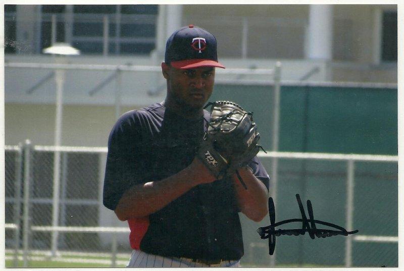 Image 0 of Luis Nunez Signed Autographed 4x6 Glossy Photo Twins