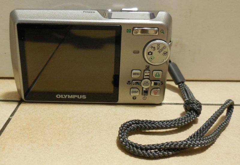 Image 2 of Olympus Stylus 740 7.1 MP Digital Camera