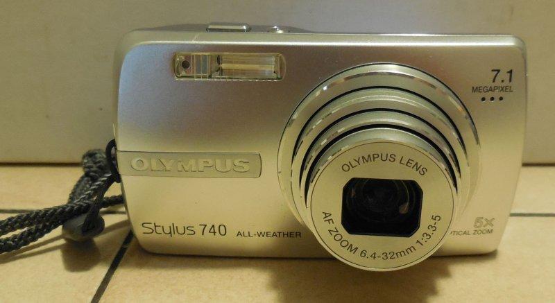 Image 4 of Olympus Stylus 740 7.1 MP Digital Camera