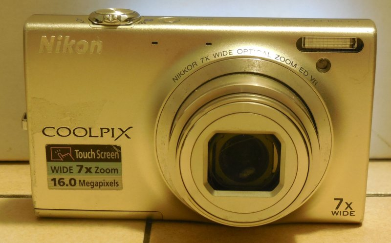 Image 3 of  Nikon Coolpix S6100 16.0 MP Digital Camera 7x zoom Touchscree​n Silver