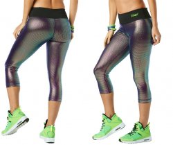 6822572c502727 Zumba Light Up The Dance Floor Metallic Capri Leggings - Holographic