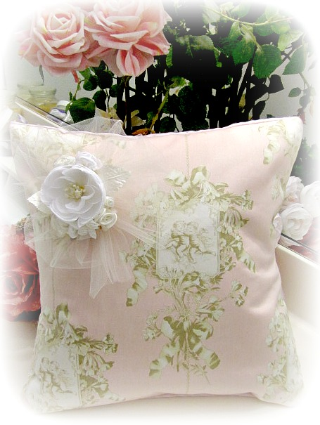 Image 0 of Everyday Romance Vintage Cherubs Pillow
