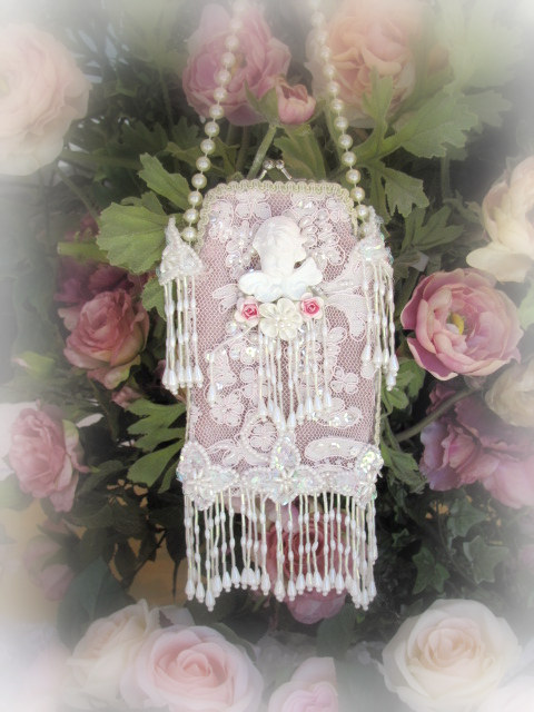 Image 0 of Beaded Cherub Eyeglass Purse