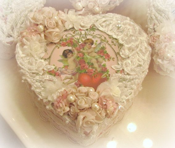 Image 3 of Crystal Roses Heart Boxes