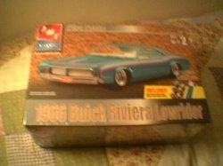 1966 BUICK RIVERIA LOWRIDER MODEL KIT