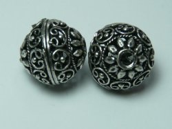 Thumbnail of GFine03 - Glinter™-Silver 03almost round bead w/pretzel design