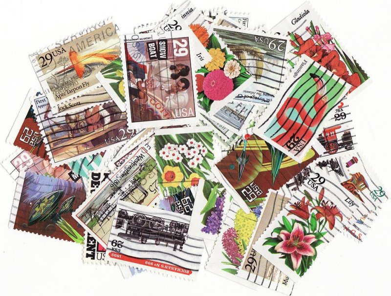 U.S. Se-Tenants Stamps, Stamp Packet Collection, 50 different se-tenant stamps from the USA