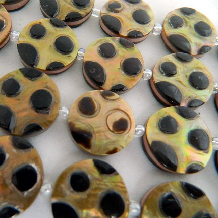 20mm Round Brownlip Carved Beads