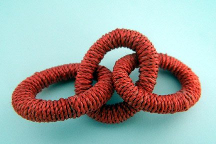 Abaca Links, Large, Red, 4 inches