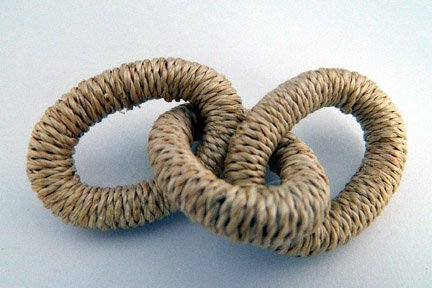 Abaca Links, Large, Natural, 4 inches