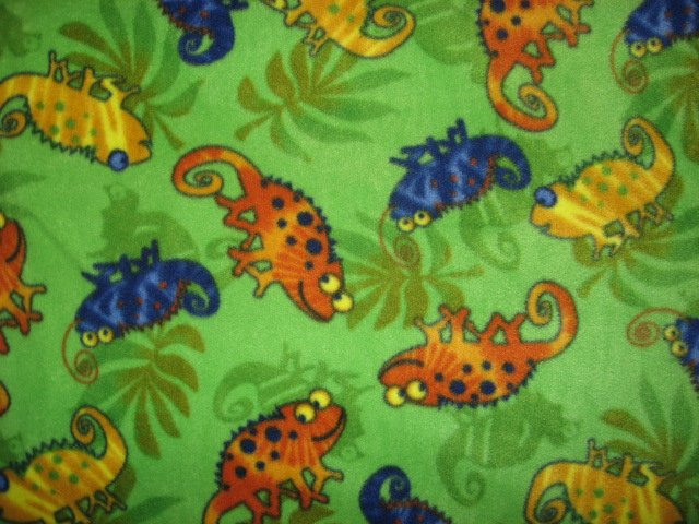 Lizards and chameleons antipill green child bed size fleece blanket