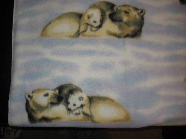 Mother and cubs Polar Bears fleece blanket throw