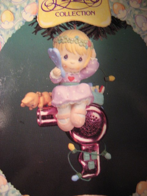 Image 1 of Christmas Holiday Pretty Girl Precious Moments  Ornament New in box