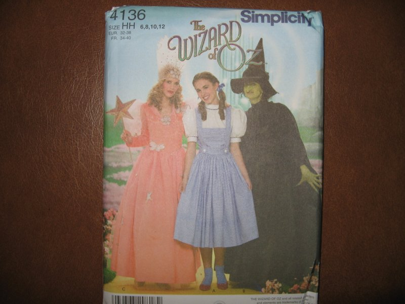 Simplicity pattern 4136 Wizard of OZ Dorothy Witch Princess Costume 6-12