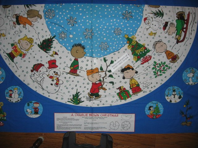 Charlie Brown Peanuts Gang 2 Christmas tree skirt cotton panels Unfinished U sew