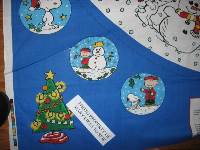 Image 1 of Charlie Brown Peanuts Gang 2 Christmas tree skirt cotton panels Unfinished U sew