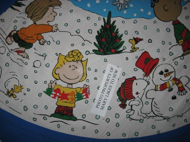 Image 3 of Charlie Brown Peanuts Gang 2 Christmas tree skirt cotton panels Unfinished U sew