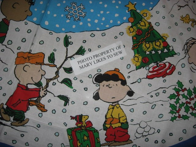 Image 4 of Charlie Brown Peanuts Gang 2 Christmas tree skirt cotton panels Unfinished U sew
