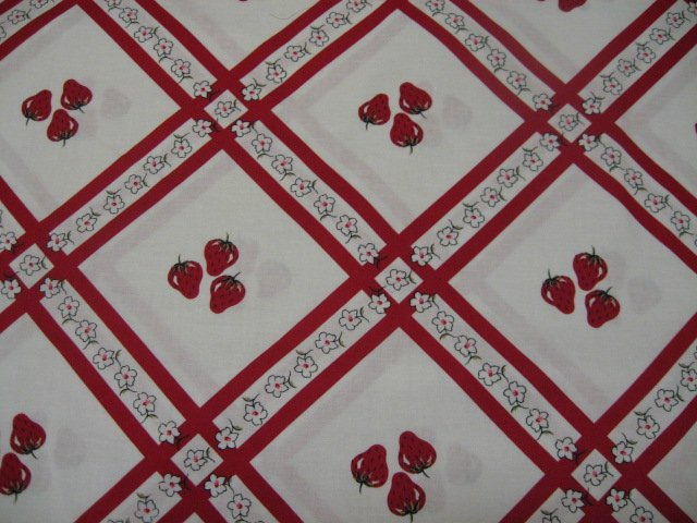 Strawberries and flowers pretty cotton fabric to sew for Solar system fleece fabric