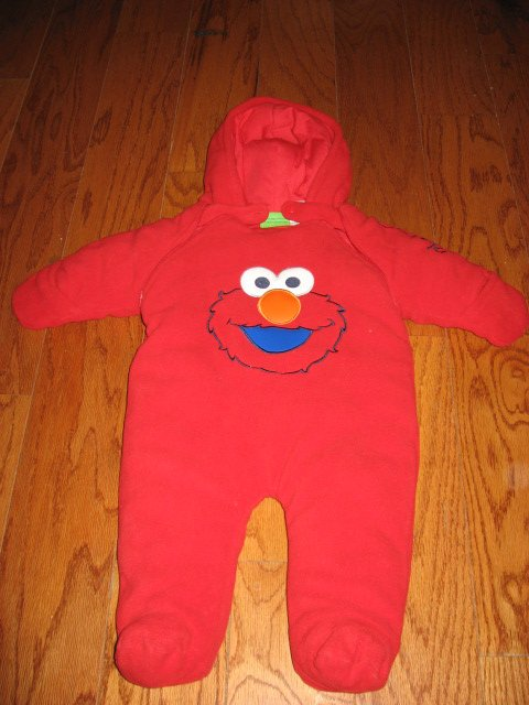 Sesame street Elmo Snowsuit with hood mittens and two zippers for diaper change