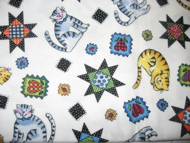 Kittens hearts and quilt patterns on White Flannel blanket for baby