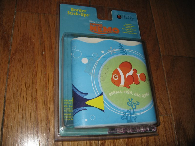 Finding Nemo fish self-stick wall border