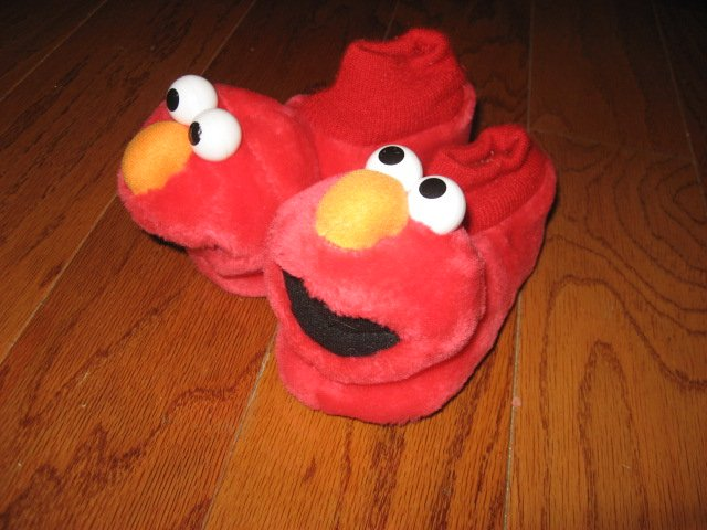 Image 1 of Elmo slippers Size L 9-10 toddler Child