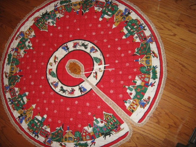 Village houses horse and sled 58 Handmade Christmas Tree Skirt with lace edge