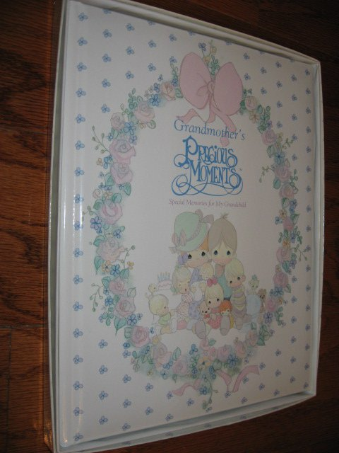 Grandmother's Precious Moments keepsake book new in box