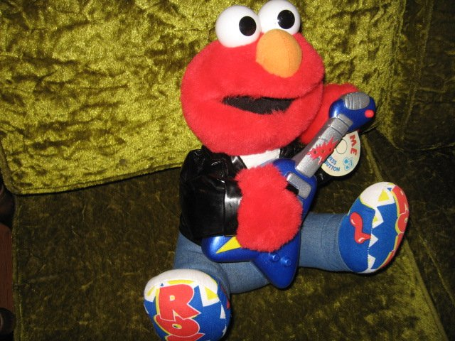 Image 2 of Sesame Street 1998 Rock and Roll Elmo plays guitar music vibrates
