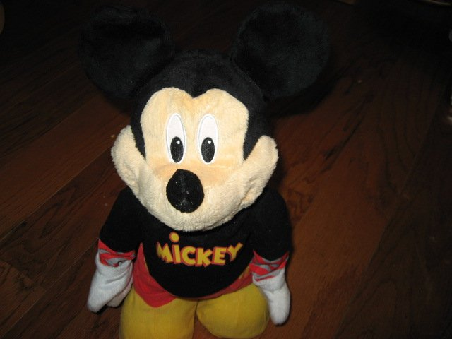 Mickey Mouse 17 talking dancing interactive Disney doll 2009