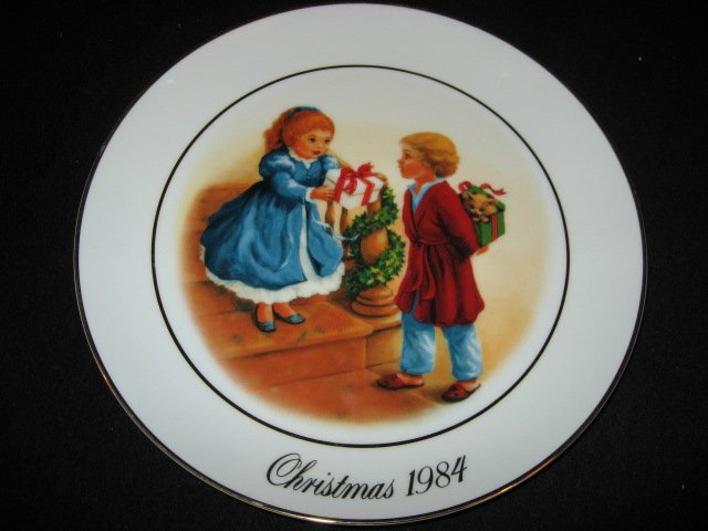 Avon Christmas giving 1984 collector plate.