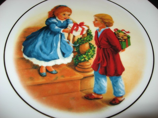 Image 1 of Avon Christmas giving 1984 collector plate.