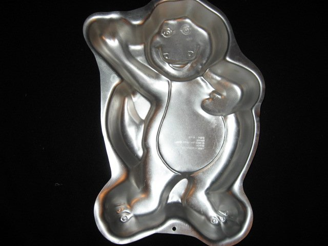 Barney dinosaur cake pan for a two layer cake mix Rare 1993