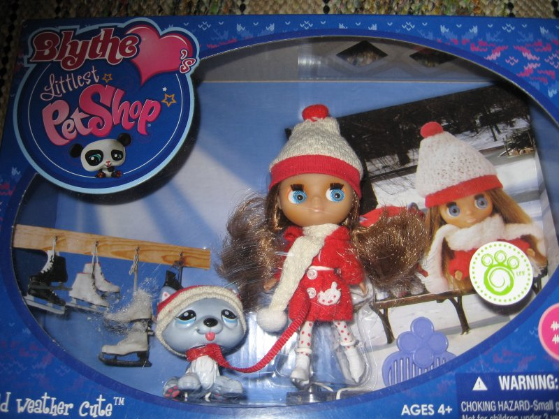 Blythe Littlest Pet Shop Set Cold Weather Cute  New in package Rare 2010