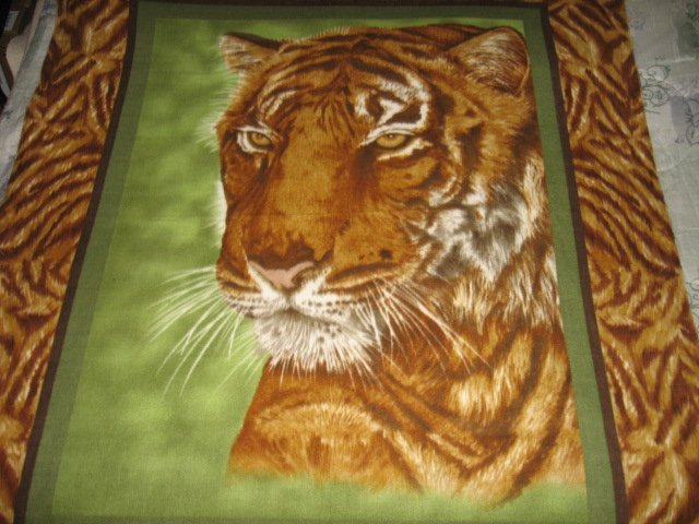 Image 4 of Tiger face jungle animal bed size Fleece blanket Panel finished edges