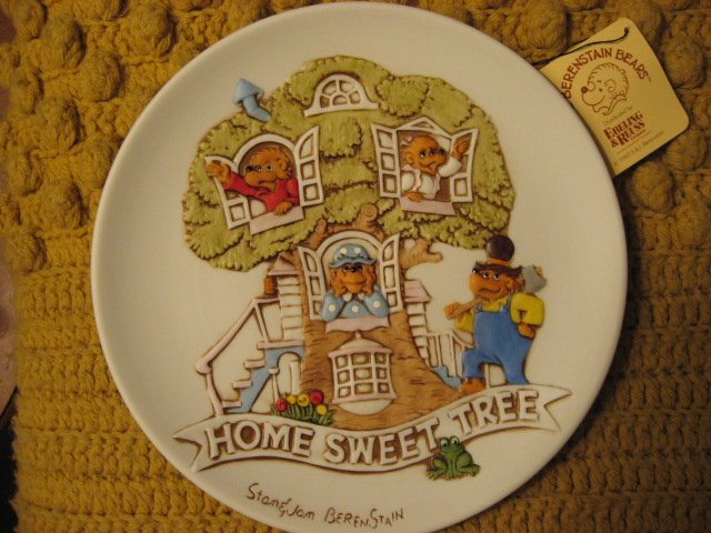 Image 0 of Berenstain Bears Home Sweet Tree collector plate New in box 1983
