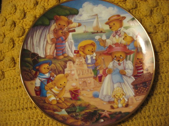 Image 1 of Franklin Mint Heirloom Teddy Bear Set of 4 different Porcelian Plates by Lawson