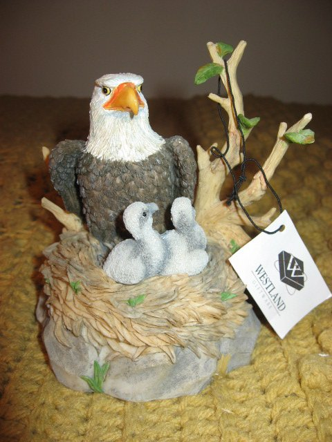 Image 0 of Westland Wildlife Federation eagle Giordano Music Box 1998